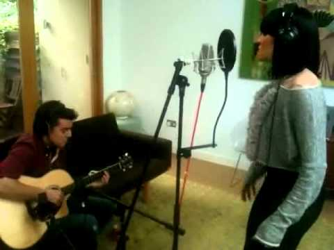 Jessie J singing Do It Like A Dude - acoustic